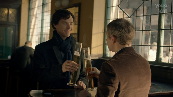 sherlock-s03e02-holmes-watson-stag-night-beer-flask-cheers
